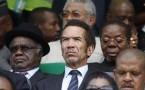Botswana's President Ian Khama (C)